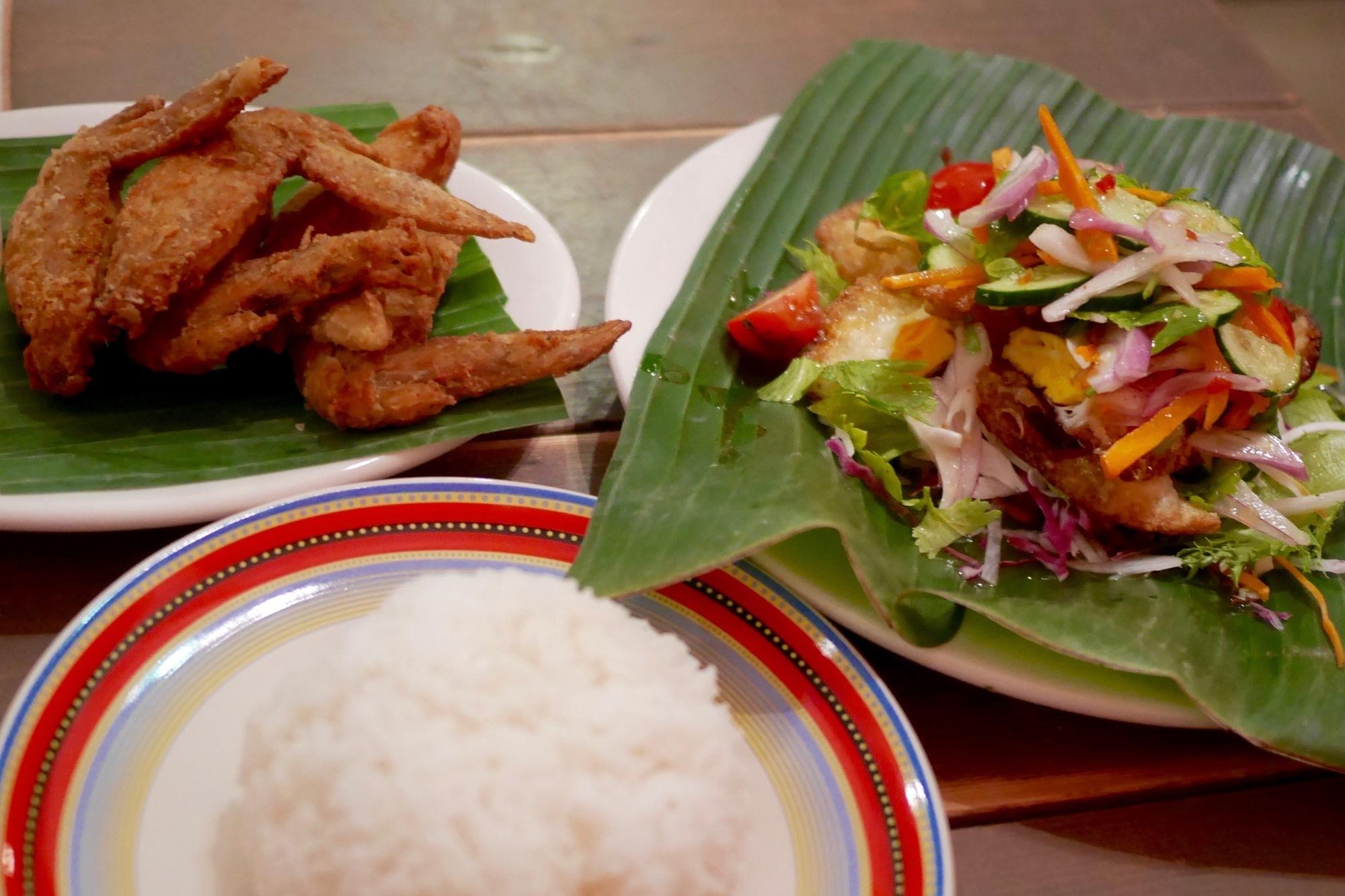 【京都のタイ料理屋】京阪出町柳駅近く「タイキッチン クルーン」で食べた『ヤムカイダーウ』と『ピックガイトート』