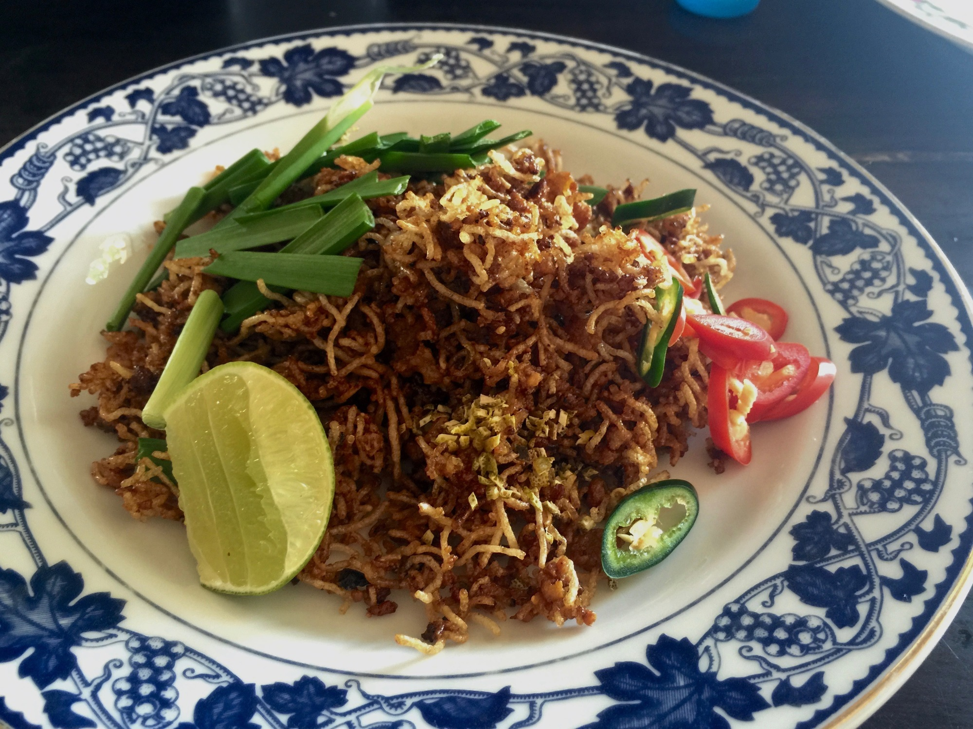 ラーマ5世の時代から続く伝統的タイ料理『パットミークローブ』